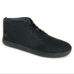 New In Box Timberland Chukka Boots Nubuck Black